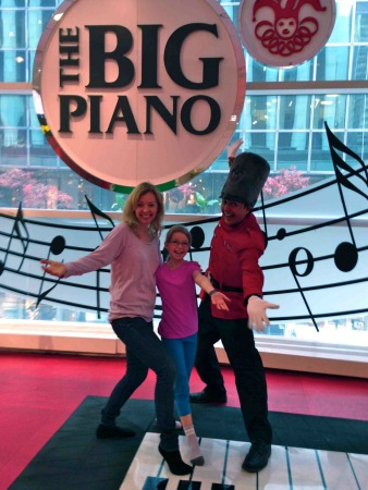 Big Piano FAO Schwarz