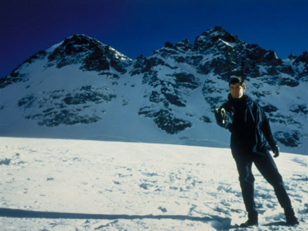 George Lazenby plays Bond in Canada's Auyuittuq National Park